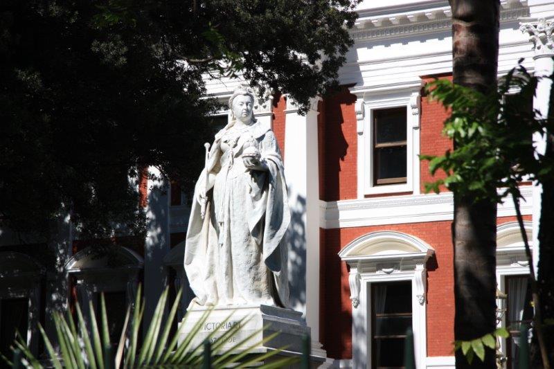 Queen Victoria, Parliament